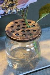 Blütendeckel für alte Gläser mit Wunschgravur