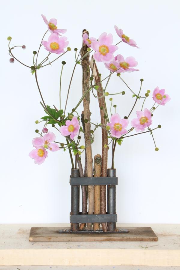 Vase auf Holz